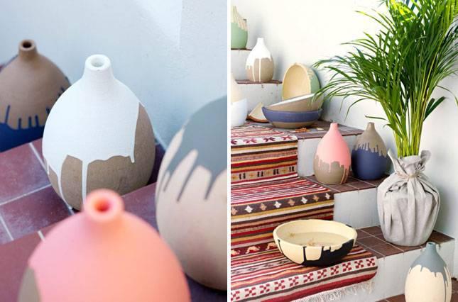 """Интересные идеи горшков для цветов: """"горшок"""" из керамических кувшинов"""