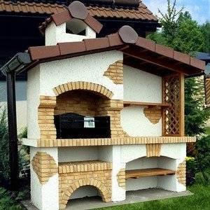 Барбекю на даче строим