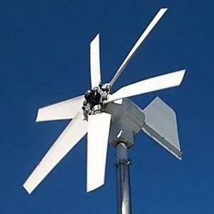 Ветряной генератор работает от силы ветра