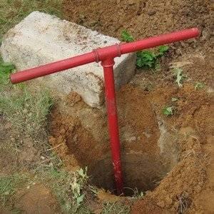 Бур для земли используют для установки столбов