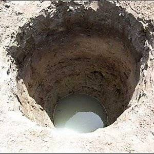 Колодец копают вблизи от подземных водных жил