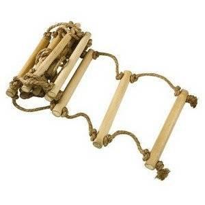 Веревочная лестница может быть сделанна из разных материалов