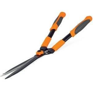 Садовые ножницы используют для формирующей обрезки